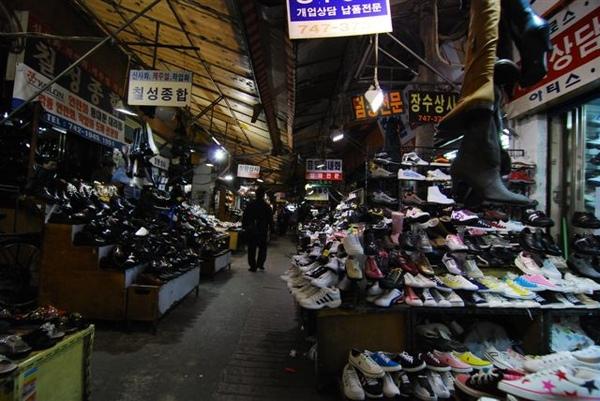 東大門的鞋市場