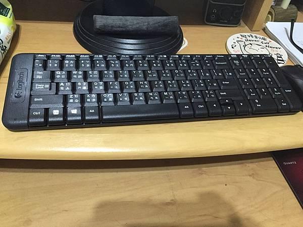 我可以抱著鍵盤坐著床上