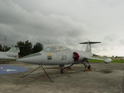 TF-104G 星式戰鬥教練機