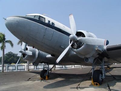C-47 空中列車式運輸機