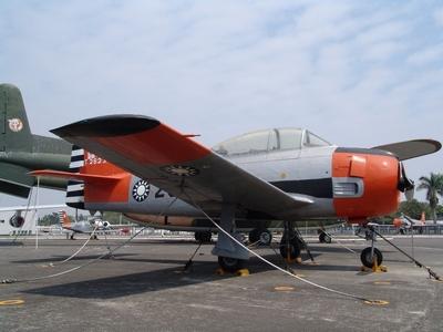 T-28A 啄木鳥式教練機