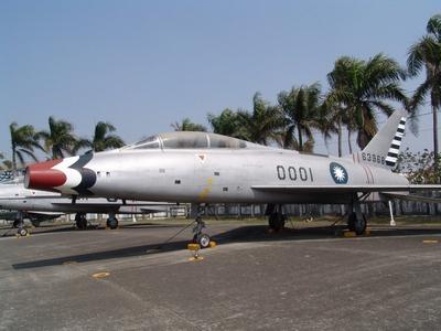 F-100A/F 超級軍刀式戰鬥轟炸機 Super Sabre