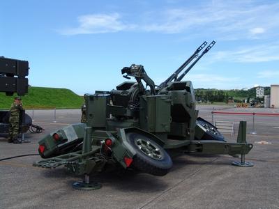 35公厘雙聯裝野戰防空快砲 (35快砲)