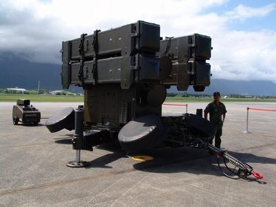 4聯裝AIM-7F麻雀飛彈發射器