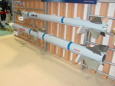 AIM-120 先進中程空對空飛彈 AMRAAM