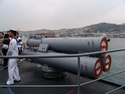 Mk32型3聯裝魚雷發射器