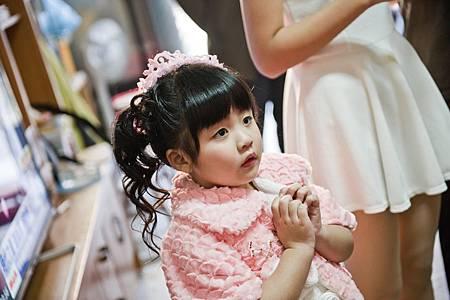 小女孩的祈禱