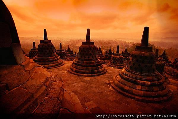 印尼最早的佛教聖地Borobudur