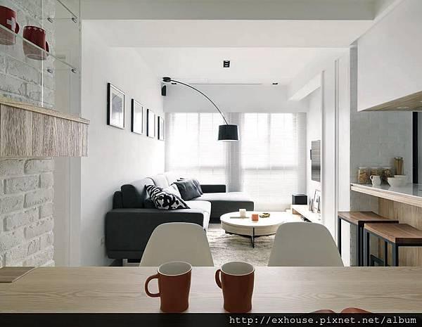 18坪明亮又優雅的小宅,開放設計延伸空間感,收納櫃架化為裝飾。 @ 漂亮家居雜誌 :: 痞客邦