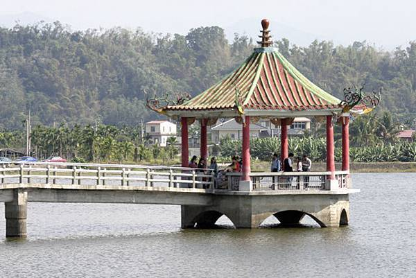 中正湖小涼亭