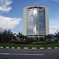 沙巴基金會大廈對面的大樓