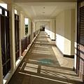 房外的走廊