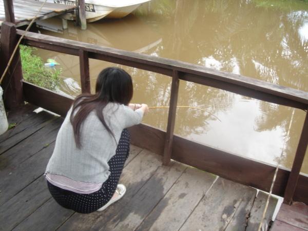 在釣魚的ann