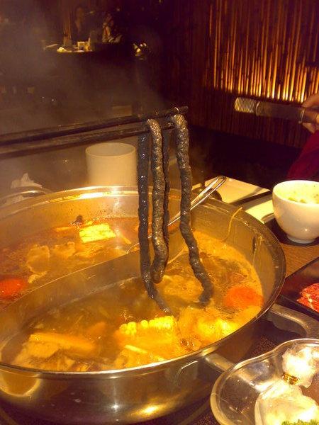 煮好的三色魚麵