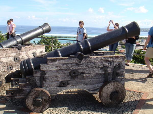 瞭望台上的砲台