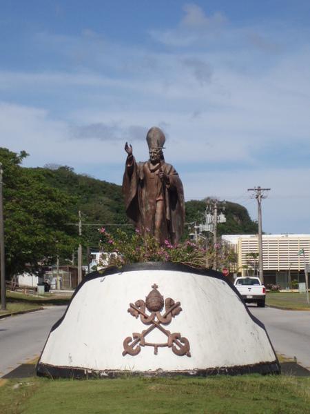 教宗若望保祿二世的雕像