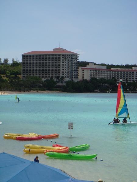 PIC的海邊有很多水上活動可以玩