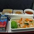 飛機餐....明明才剛吃過早餐