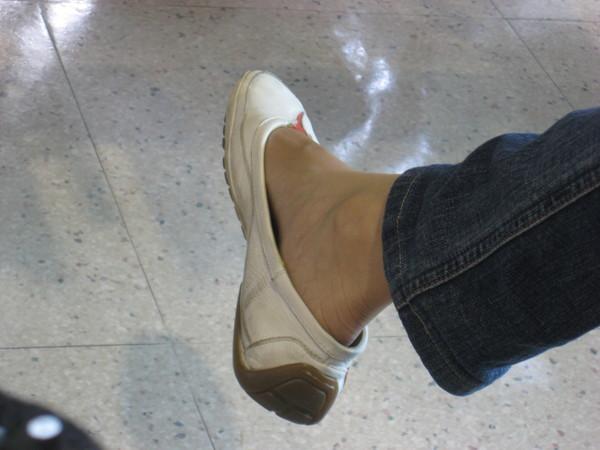ann的小白鞋