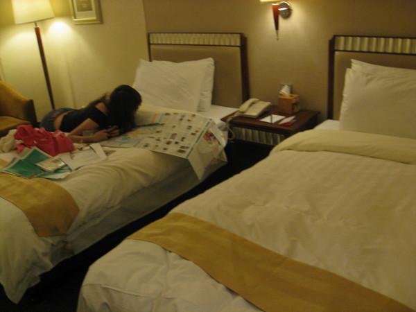 床好硬!!