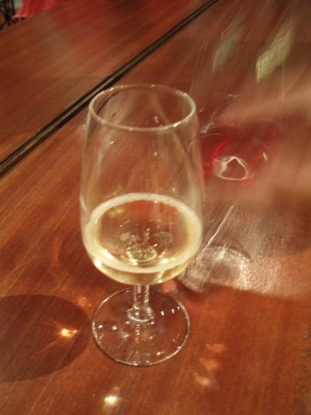 免費贈送葡萄酒一杯