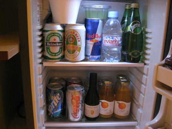 冰箱裡滿滿的飲料
