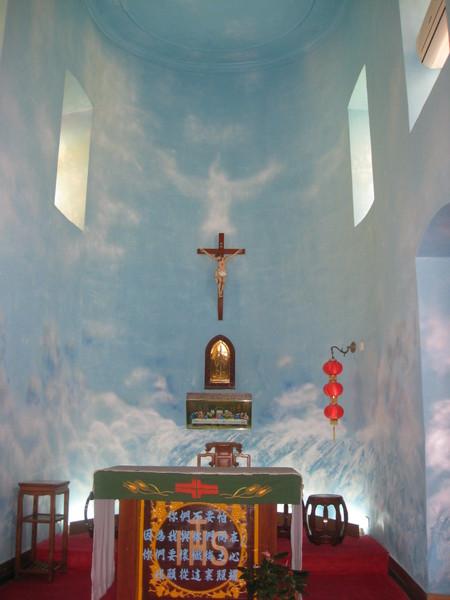 聖方濟各聖堂的內部