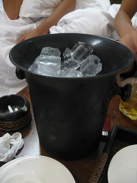 這桶冰塊要30B