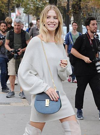 Celebrity-Handbags-Paris-Fashion-Week-Spring-2015-71 (1)