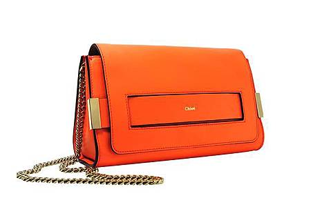 R8GWgflHurj0sTq6tiQMVp2Xe31LB8iH_ELLE Medium Clutch With Chain In Coral Pop Lambskin