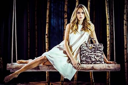 thefemin-cara-delevingne-mulberry-28-700x465