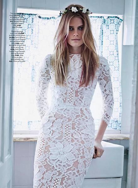 white-lace-dolce-gabbana-dress