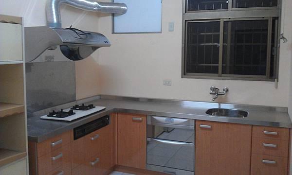 台中市公寓出租0980385549