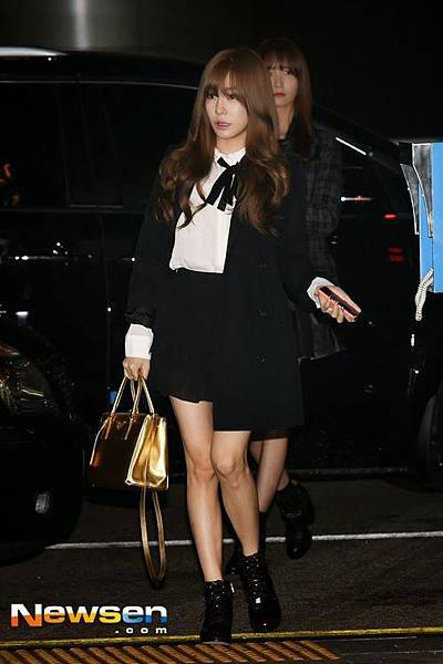 snsd airport pics (1)