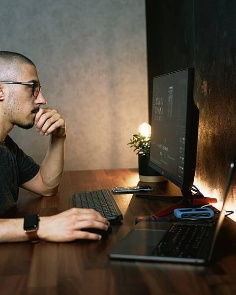 """硬體工程師進修Java課程轉戰軟體工程師,改變生活從""""改變自己""""開始!"""