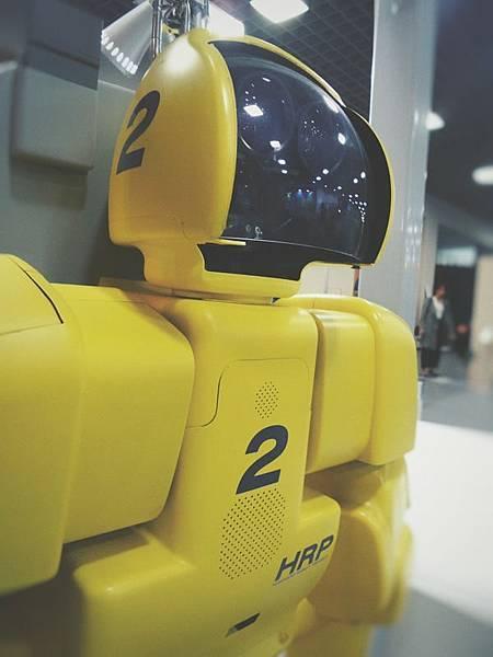 Line將導入人工智慧技術,不但能代接電話,還可以成為店家幫忙受理訂位及預約呢!
