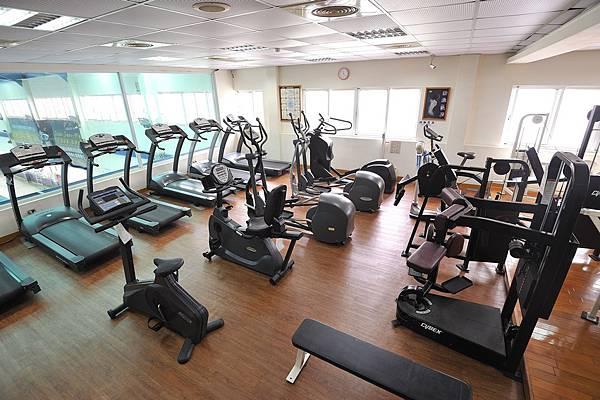 gym2_low.jpg
