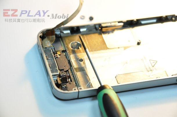 iphone4現場快速維修拆解液晶玻璃破裂速修3