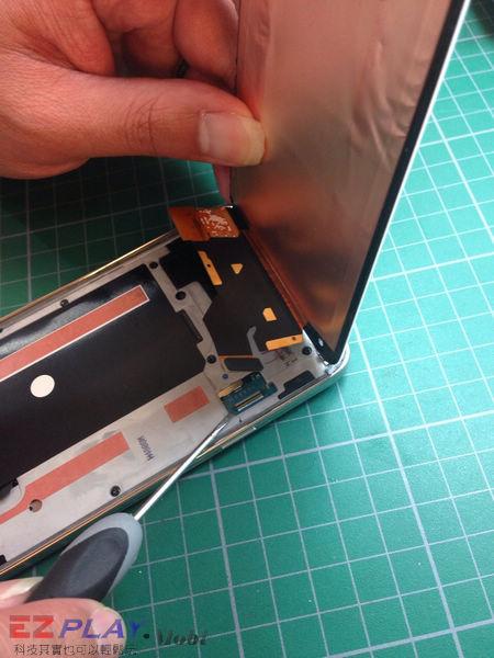 三星 SAMSUNG G900I S5 泡水機拆解維修機版紀錄篇4