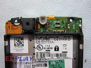 泡水機該回原廠嗎?BlackBerry 9520 拆解後告訴您9