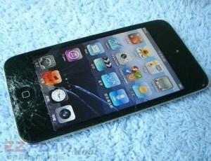 iPod Touch 4面板破裂,連液晶也必須更換!1