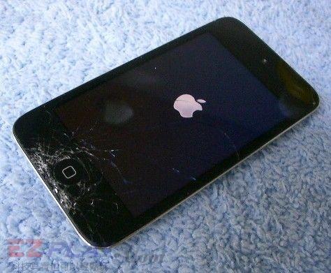 iPod Touch 4面板破裂,連液晶也必須更換!2
