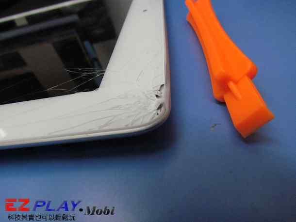 Ipad二代玻璃觸控LCD破裂就是這樣維修的7
