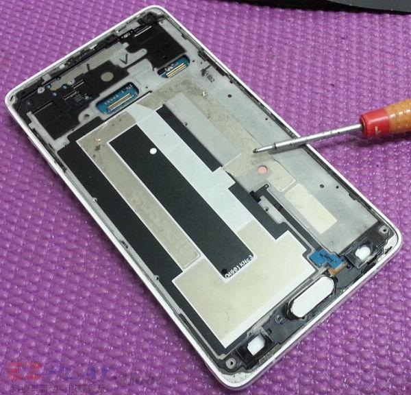可惡的膠和超薄面板三星Note 4玻璃面板液晶維修之─驚心動魄7