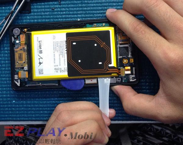 華麗變身,黑機變白機,SonyXperia Z2a 面板更換實錄6