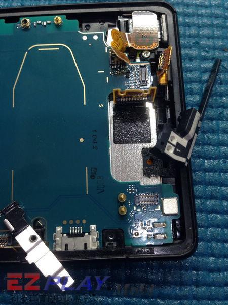 華麗變身,黑機變白機,SonyXperia Z2a 面板更換實錄8