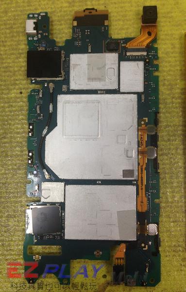 摔機 Sony Xperia Z3 Compact 面板更換實錄.7