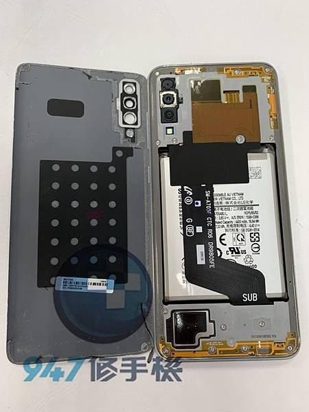 三星A70手機維修-面板維修-電池更換02.jpg
