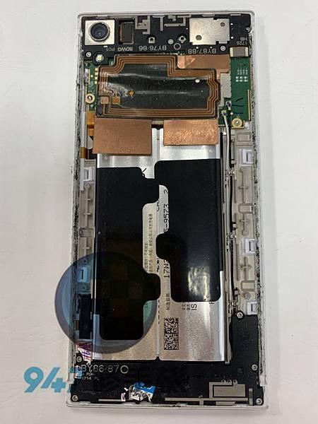 SONY XA1U手機維修-面板維修-電池更換02.jpg