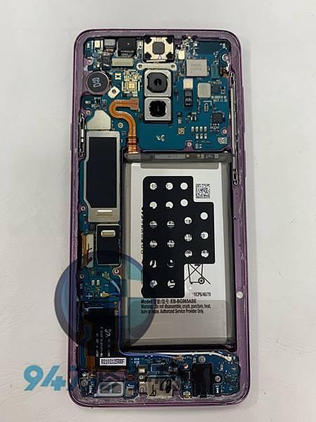 三星S9+手機維修_面板更換_電池更換03.jpg